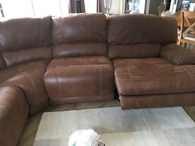 Left Hand or Right Hand Facing Standard Recliner Corner Group With Large Chair End