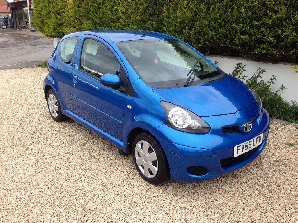 toyota aygo 1 0 vvt i 2009 aygo blue cheap tax and insurance group only 46 k in stroud. Black Bedroom Furniture Sets. Home Design Ideas
