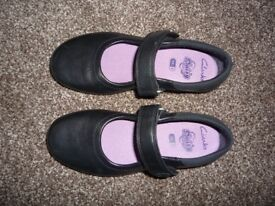 Girl's Black Clarks Shoes - Size 11E - Brand New - £10
