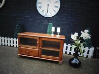 SOLID PINE FARMHOUSE TV CABINET PROPER CHUNKY ONE WITH LOADS OF STORAGE IN EXCELLENT CONDITION