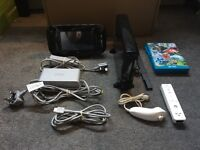 WiiU Nintendo Console 32GB + Mario Cart 8 & Donkey Kong Country: Tropical Freeze