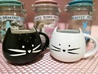 Kitty Mugs black & white