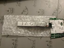 Genuine Jaguar Right RH Wing Badge Fender Vent Emblem for XF 2007-2010