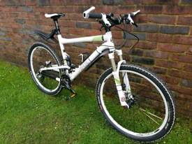 Commencal super 4 team mountain bike