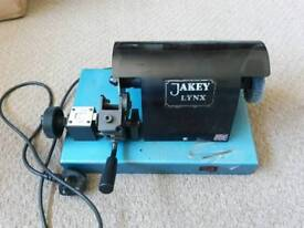 Jakey Ford Tibbe cutting machine