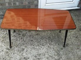 Coffee table 60's style lemenate top