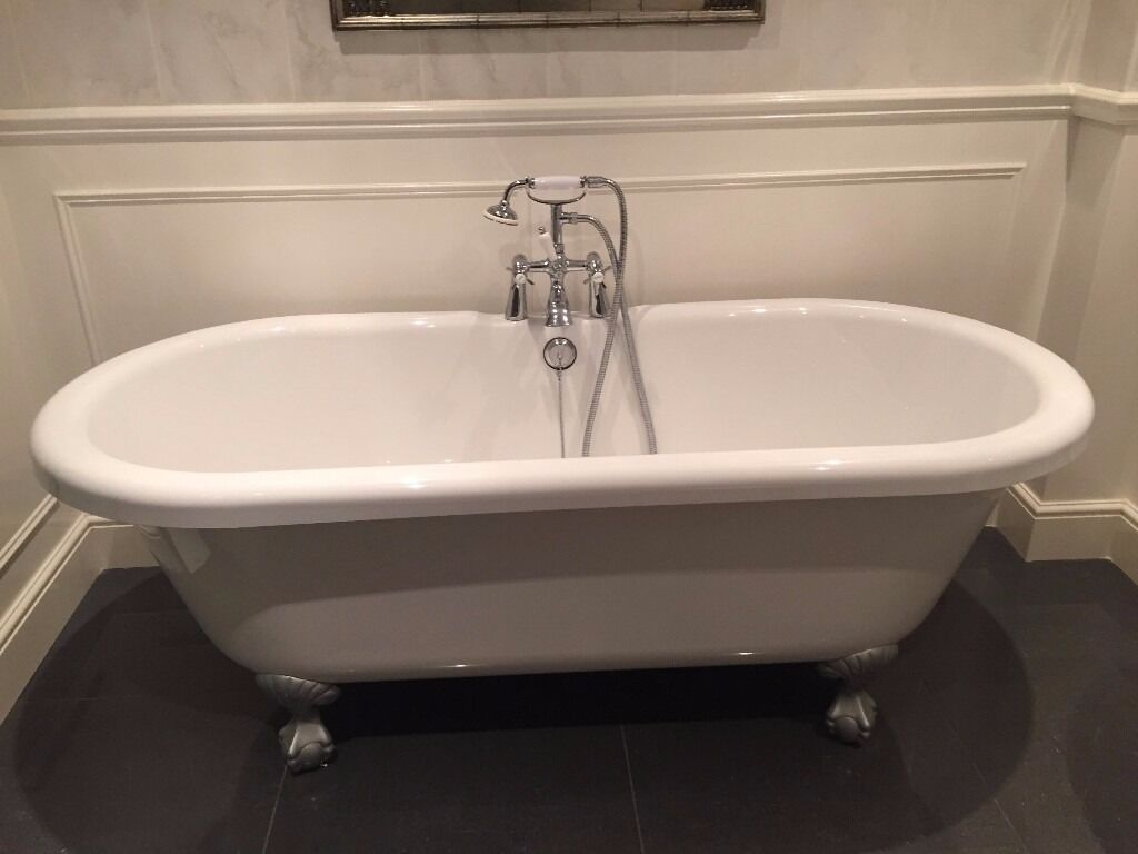 Free standing used white double ended acrylic roll-top bath. | in ...