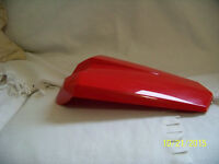 Yamaha YZFR125 rear seat cover/ single seat convertor in red. Brand new !!