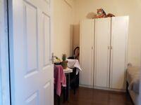 Studio to rent, separate kitchen & bathroom. Including all bills