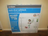 LINDAM STAIR GATE SAFETY GATE NO DRILL PRESSURE FIT INCL £15 SAFTEY EQUIP FITS OPENINGS 76cm - 82cm