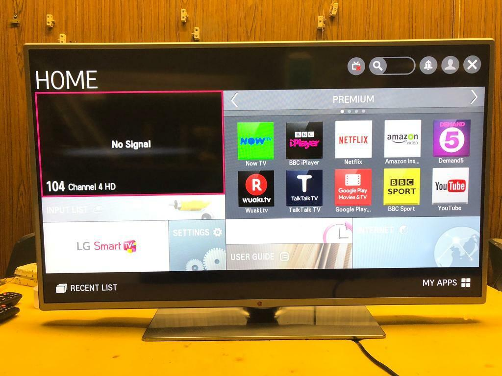 """LG 42"""" smart LEd Tv Excellent Cond Apps wifi Warranty 