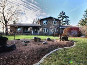 $1,088,000 - Split Level for sale in Millgrove