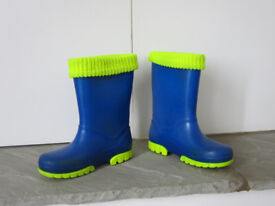 Blue wellies size 10/11
