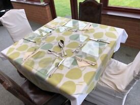 4 - 6 place table extending table with four matching chairs