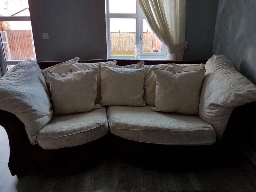 Large 3/4 cream/choclate sofa