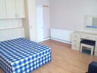 """£160-175 2 x rooms available in Bounds Green (zone 3) No dss """" Couples Welcome"""""""