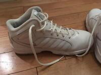 Women's ladies white Nike basketball boots size uk 6