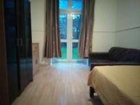 ##REDUCED PRICE## HUGE DOUBLE ROOM AVAILABLE