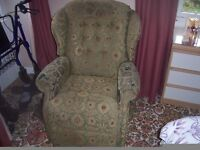 Sherbourne electric rise and recline chair.Excellent working order.Good clean condition.