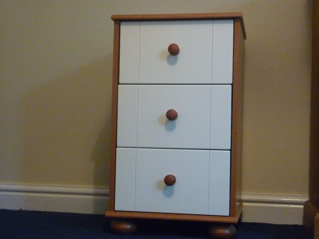 Bedside 3 drawer unit