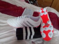 Brand new Mens adidas football boots size 9 never worn