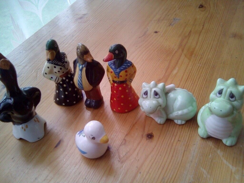 A lovely set of Ducks and dragen's ornaments