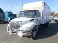 2003 International 4300 DT466 Cube Van Diesel Power Tailgate Dua
