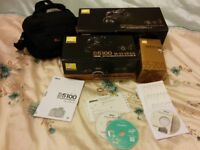 Nikon D5100 double vr zoom kit with case