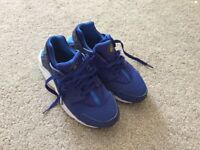 Nike Hurache Trainers