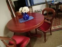 mahogany dining table diameter 110: 2 matching chairs