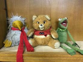 3 vintage toys, a wobble, Kermit the frog and teddy ruxpin (i think)