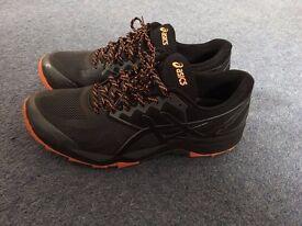 Running Shoes - New Asics Fuji Trabuco 6, size 44.5 - £40
