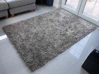Great quality large rug - as new condition