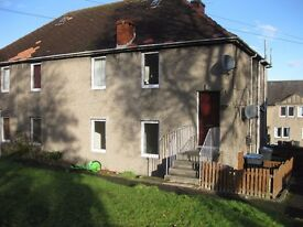 Bright & sunny spacious 2 bedroom property
