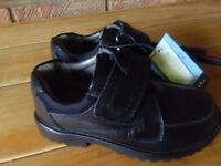 Black full grain leather school shoes size 9 NEW