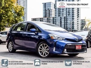 2015 Toyota Prius v Technology Pkg *OFF LEASE*