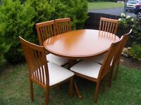 CAN DELIVER - EXTENDED DINING TABLE + 6 CHAIRS IN VERY GOOD CONDITION