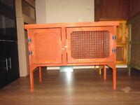 brand new 3ft rabbit /guinea pig hutch in cedar red