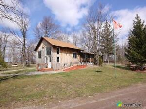 $639,999 - Bungalow for sale in Caistor Centre
