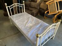 WHITE SHABBY CHIC METAL SINGL BED NICE & WITH MATTRESS IN PACK CAN DELIVER