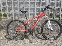 Saracen TuffTrax Comp Hydro Disc Mountain Bike - great condtion, serviced, tuned, full working order