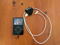 iPod video A1136, 5.5 Gen, 80GB, USB cable and plug, working