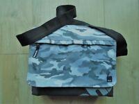 BENCH MESSENGER BAG