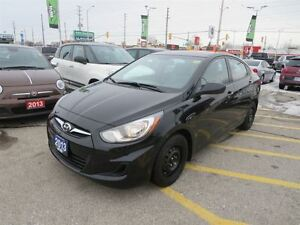 2013 Hyundai Accent Base