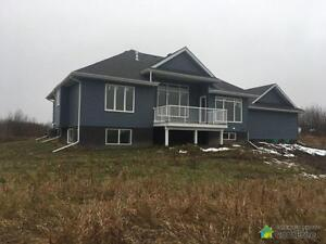 $567,000 - Price Taxes Included - Bungalow in Beaver County Strathcona County Edmonton Area image 3
