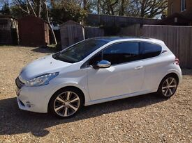 Peugeot 208 XY 1.6 e-HDi (120BHP) 3 Door Hatchback in Bianca White - Low Mileage