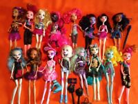 Colection of 16 Monsters High dolls