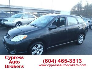 2006 Toyota Matrix XR (4WD & Power Sunroof)