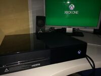 Xbox one console 500GB with FIFA 17