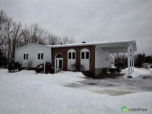 $259,900 - Bungalow for sale in Hawkesbury